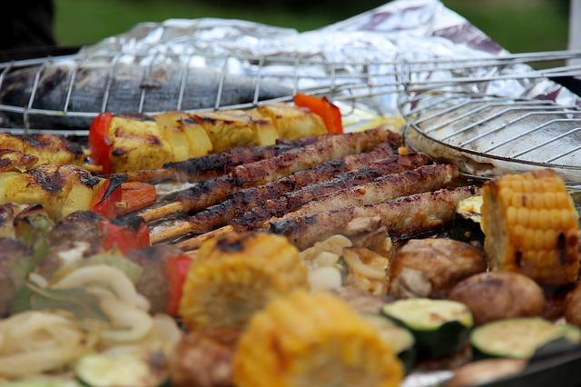 Últimos toques de cómo preparar un kebab de pescado