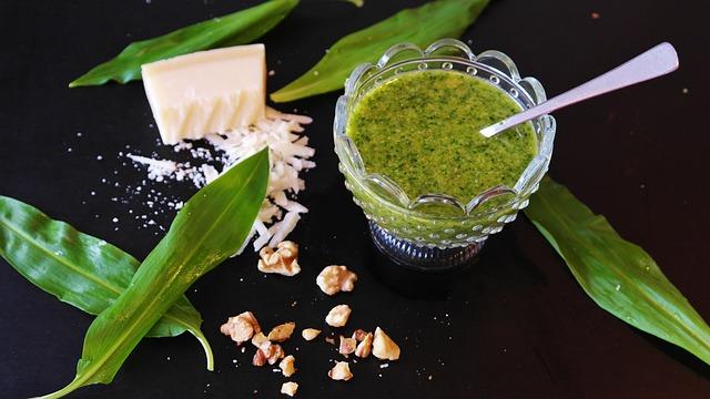 Salsas fáciles salsa pesto