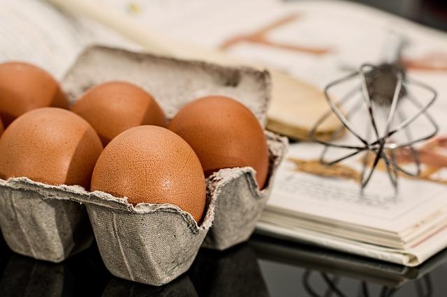 receta-facil-huevo-con-tomate-y-morcilla